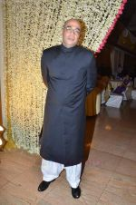 Mohan Kapoor at Endemol_s Sanket Vanzara_s brother wedding reception in The Club on 23rd Aug 2011 (27).JPG