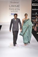 Model walk the ramp for Digvijay Singh show at Lakme Fashion Week 2011 on 20th Aug 2011 (39).JPG
