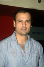 Rohit Roy at Standby film premiere in PVR on 24th Aug 2011 (3).JPG
