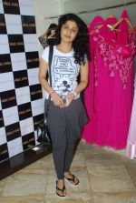 Ragini Khanna at Hauz Khas store in Mumbai on 25th Aug 2011 (62).JPG