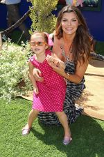 Ali Landry and daughter Estela Ines Monteverde attends the World Premiere of movie The Lion King 3D at the El Capitan Theater on 27th August 2011 (5).jpg