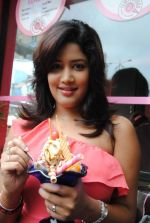 Soumya Bollapragada Launches Scoops Temptations on 27th August 2011 (38).jpg
