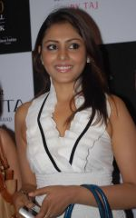 Madhu Shalini attends the Blenders Pride Hyderabad Fashion Show on 28th August 2011 (3).JPG