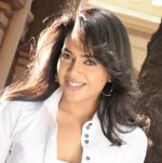 Sameera Reddy in Vedi Movie Stills (17).jpg