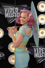 Katy Perry at the 2011 MTV Video Music Awards in LA on 28th August 2011 (4).jpg