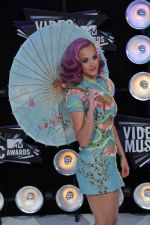 Katy Perry at the 2011 MTV Video Music Awards in LA on 28th August 2011 (6).jpg