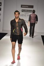 Model walk the ramp for Manoviraj Khosla at Van Heusen India Mens Week Day 3 on 4th Sept 2011 (49).JPG