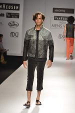 Model walk the ramp for Manoviraj Khosla at Van Heusen India Mens Week Day 3 on 4th Sept 2011 (55).JPG