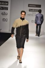 Model walk the ramp for Manoviraj Khosla at Van Heusen India Mens Week Day 3 on 4th Sept 2011 (59).JPG