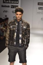 Model walk the ramp for Manoviraj Khosla at Van Heusen India Mens Week Day 3 on 4th Sept 2011 (63).JPG