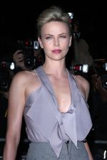 Charlize Theron attends the GQ Men of the Year Awards 2011 in Royal Opera House on September 06, 2011 (38).jpg