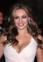 Kelly Brook attends the GQ Men of the Year Awards 2011 in Royal Opera House on September 06, 2011 (25).jpg