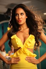 Lisa Haydon in Rascals Movie Stills (12).JPG