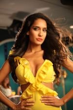 Lisa Haydon in Rascals Movie Stills (14).JPG