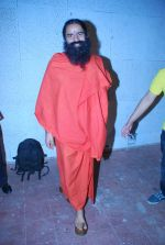 Baba Ramdev on the sets of Saregama Lil Champs in Famous on 12th Sept 2011 (4).JPG