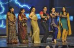 Shahrukh Khan, Ragini Khanna at the audio release of Ra.One in Filmcity, Mumbai on 12th Sept 2011 (42).JPG
