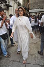 Neetu Singh at the farewell to photogrpaher Gautam Rajadhyaksha in Mumbai on 13th Sept 2011 (100).JPG