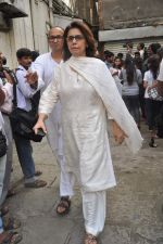 Neetu Singh at the farewell to photogrpaher Gautam Rajadhyaksha in Mumbai on 13th Sept 2011 (99).JPG