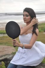 Alankrita Dogra on the sets of film Lethal Comission in Madh on 14th Sept 2011 (1).JPG