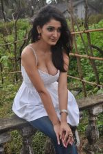 Alankrita Dogra on the sets of film Lethal Comission in Madh on 14th Sept 2011 (12).JPG
