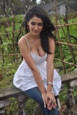 Alankrita Dogra on the sets of film Lethal Comission in Madh on 14th Sept 2011 (14).JPG