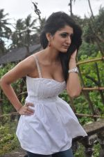 Alankrita Dogra on the sets of film Lethal Comission in Madh on 14th Sept 2011 (23).JPG