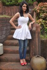 Alankrita Dogra on the sets of film Lethal Comission in Madh on 14th Sept 2011 (28).JPG