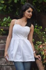 Alankrita Dogra on the sets of film Lethal Comission in Madh on 14th Sept 2011 (4).JPG