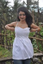 Alankrita Dogra on the sets of film Lethal Comission in Madh on 14th Sept 2011 (9).JPG