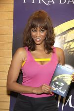 Tyra Banks_ Modelland Book Tour A Fierce Experience! at Barnes & Noble in Santa Monica on September 14, 2011 (1).jpg