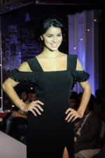 Rima Fakih walk the ramp for Manoviraj Khosla and Frank Tell show for the Signature tour in Novotel on 17th Sept 2011 (94).JPG