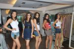 at Punjab Fashion Week auditions in Riyaz Gangji Store on 17th Sept 2011 (37).JPG