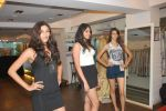 at Punjab Fashion Week auditions in Riyaz Gangji Store on 17th Sept 2011 (48).JPG