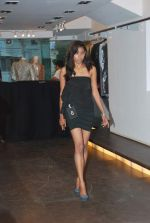 at Punjab Fashion Week auditions in Riyaz Gangji Store on 17th Sept 2011 (50).JPG