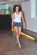 at Punjab Fashion Week auditions in Riyaz Gangji Store on 17th Sept 2011 (30).JPG