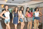 at Punjab Fashion Week auditions in Riyaz Gangji Store on 17th Sept 2011 (36).JPG