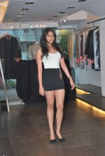 at Punjab Fashion Week auditions in Riyaz Gangji Store on 17th Sept 2011 (44).JPG