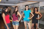at Punjab Fashion Week auditions in Riyaz Gangji Store on 17th Sept 2011 (53).JPG