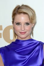 Dianna Agron attends the 63rd Annual Primetime Emmy Awards in Nokia Theatre L.A. Live on 18th September 2011 (2).jpg