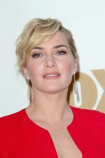 Kate Winslet attends the 63rd Annual Primetime Emmy Awards in Nokia Theatre L.A. Live on 18th September 2011 (3).jpg