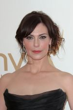 Michelle Forbes attends the 63rd Annual Primetime Emmy Awards in Nokia Theatre L.A. Live on 18th September 2011 (2).jpg