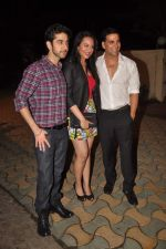 Vinay Virmani, Akshay Kumar, Sonakshi Sinha at the Speedy Singhs bash on 21st Sept 2011 (126).JPG