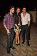 Vinay Virmani, Akshay Kumar, Sonakshi Sinha at the Speedy Singhs bash on 21st Sept 2011 (129).JPG