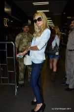 Paris Hilton leaves India in Intrernational Airport, Mumbai on 26th Sept 2011 (94).JPG