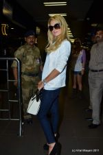 Paris Hilton leaves India in Intrernational Airport, Mumbai on 26th Sept 2011 (96).JPG