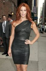 Poppy Montgomery arriving to the Late Show with David Letterman in The Ed Sullivan Theater on September 26, 2011.jpg