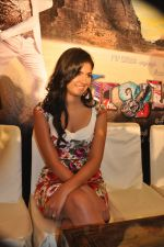 Deeksha Seth attends Rajapattai Press Meet (20).jpg