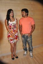 Deeksha Seth, Chiyaan Vikram attends Rajapattai Press Meet (11).jpg