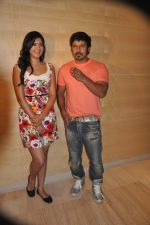 Deeksha Seth, Chiyaan Vikram attends Rajapattai Press Meet (12).jpg