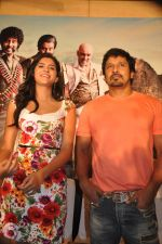 Deeksha Seth, Chiyaan Vikram attends Rajapattai Press Meet (13).jpg